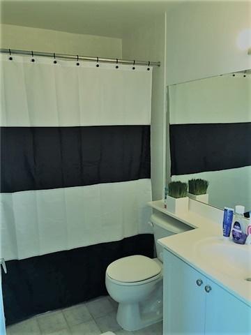Condo Apartment at 1 Elm Dr, Unit Mp 3006, Mississauga, Ontario. Image 4