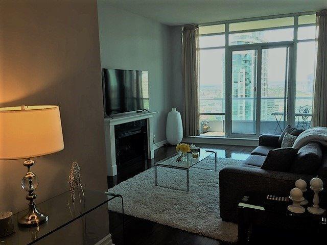 Condo Apartment at 1 Elm Dr, Unit Mp 3006, Mississauga, Ontario. Image 5