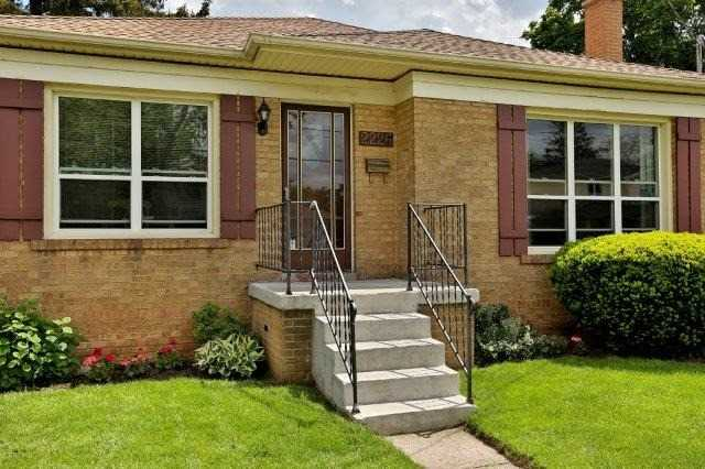 Detached at 2226 Courtland Dr, Burlington, Ontario. Image 12