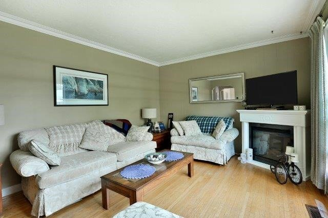 Detached at 2226 Courtland Dr, Burlington, Ontario. Image 15