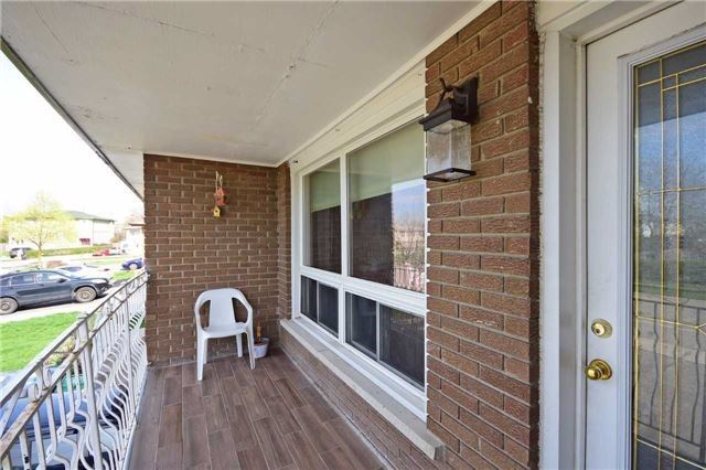 Semi-detached at 7661 Wildfern Rd, Mississauga, Ontario. Image 16
