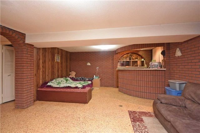 Semi-detached at 7661 Wildfern Rd, Mississauga, Ontario. Image 5