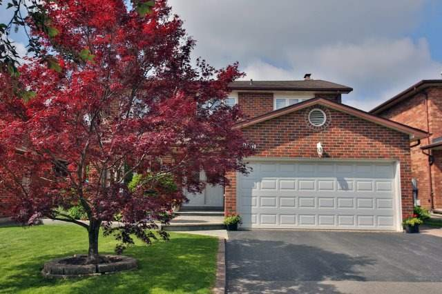 Detached at 4060 Molly Ave, Mississauga, Ontario. Image 1
