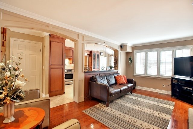 Detached at 4060 Molly Ave, Mississauga, Ontario. Image 20