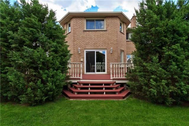 Detached at 1587 Carolyn Rd, Mississauga, Ontario. Image 15