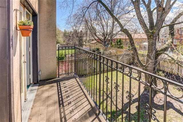 Detached at 28 Appledale Rd, Toronto, Ontario. Image 2