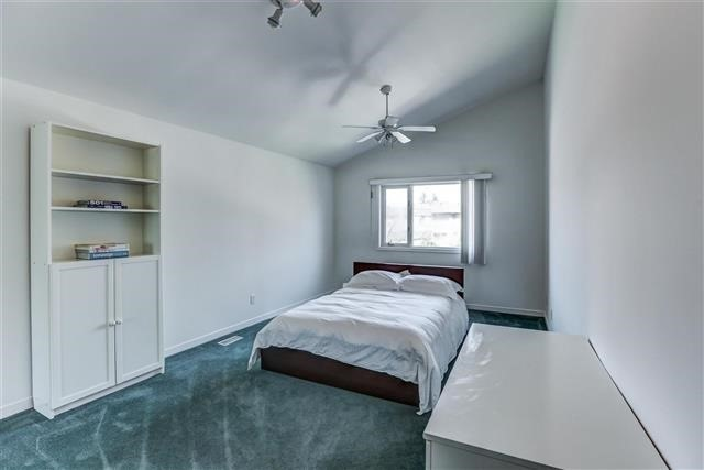 Detached at 28 Appledale Rd, Toronto, Ontario. Image 3
