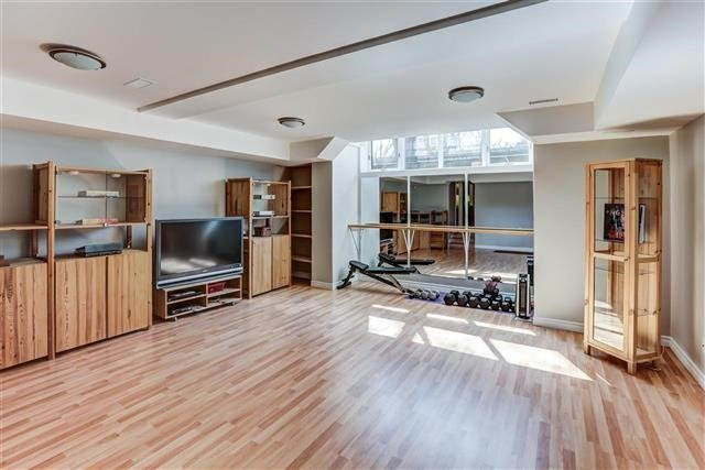Detached at 28 Appledale Rd, Toronto, Ontario. Image 9