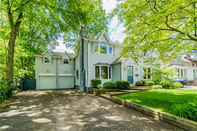 Detached at 924 Meadow Wood Rd, Mississauga, Ontario. Image 1