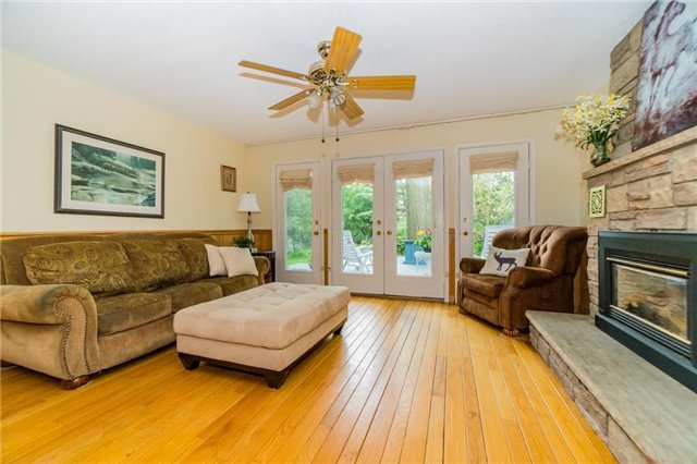 Detached at 924 Meadow Wood Rd, Mississauga, Ontario. Image 18