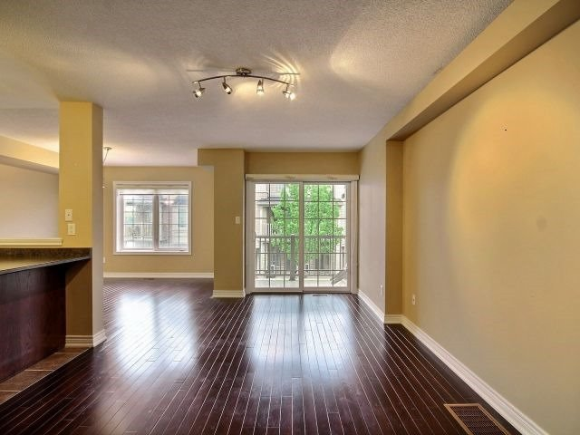 Townhouse at 628 Budgeon Common, Burlington, Ontario. Image 17