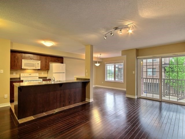 Townhouse at 628 Budgeon Common, Burlington, Ontario. Image 3