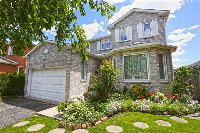 Detached at 14 Woodside Crt, Brampton, Ontario. Image 1