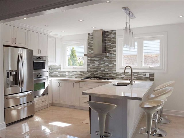 Detached at 225 Slater Cres, Oakville, Ontario. Image 14