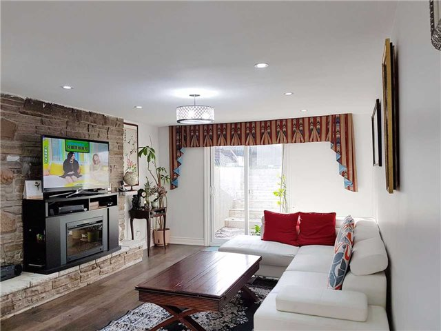 Detached at 225 Slater Cres, Oakville, Ontario. Image 5