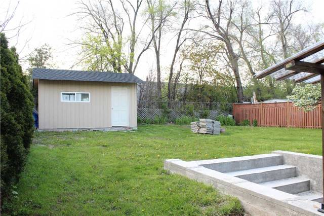 Detached at 225 Slater Cres, Oakville, Ontario. Image 11