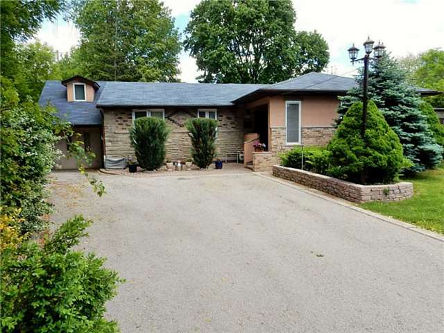Detached at 491 Woodview Rd, Burlington, Ontario. Image 11