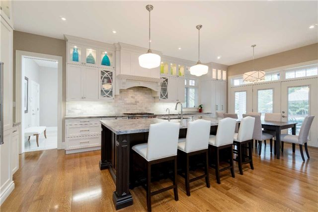 Detached at 1355 Thornhill Dr, Oakville, Ontario. Image 16