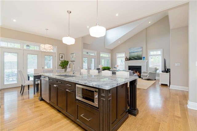 Detached at 1355 Thornhill Dr, Oakville, Ontario. Image 18