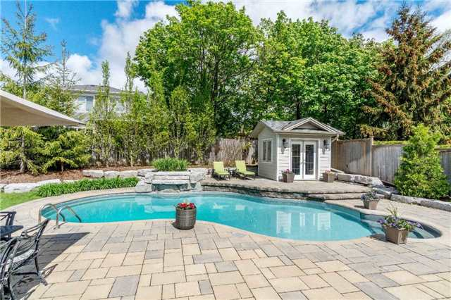 Detached at 1355 Thornhill Dr, Oakville, Ontario. Image 9