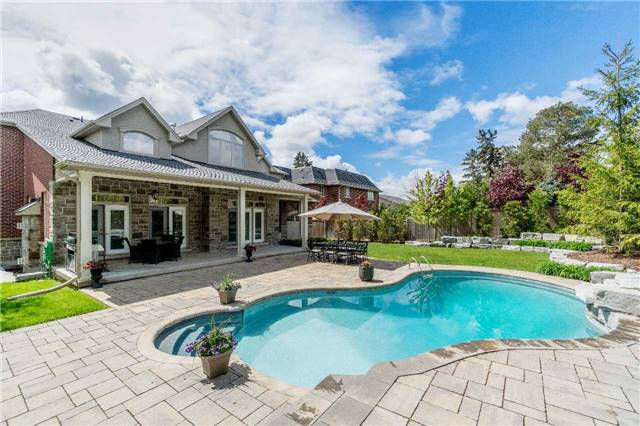 Detached at 1355 Thornhill Dr, Oakville, Ontario. Image 13