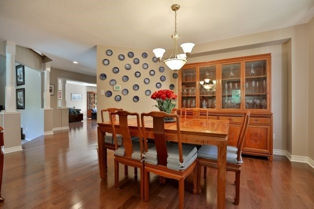 Detached at 1399 Silversmith Dr, Oakville, Ontario. Image 18
