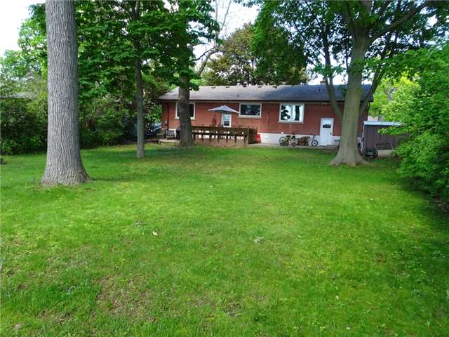 Detached at 522 Pineland Ave, Oakville, Ontario. Image 3