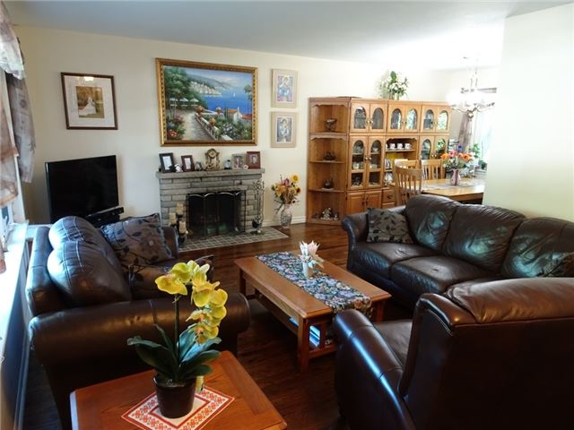Detached at 522 Pineland Ave, Oakville, Ontario. Image 7