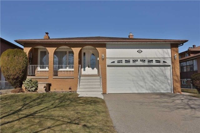 Detached at 287 Paisley Blvd W, Mississauga, Ontario. Image 1