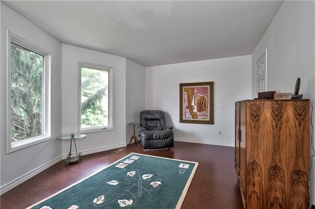 Detached at 3102 Lakeshore Rd W, Oakville, Ontario. Image 9