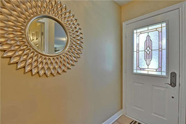 Semi-detached at 12 Coolspring Cres, Caledon, Ontario. Image 12