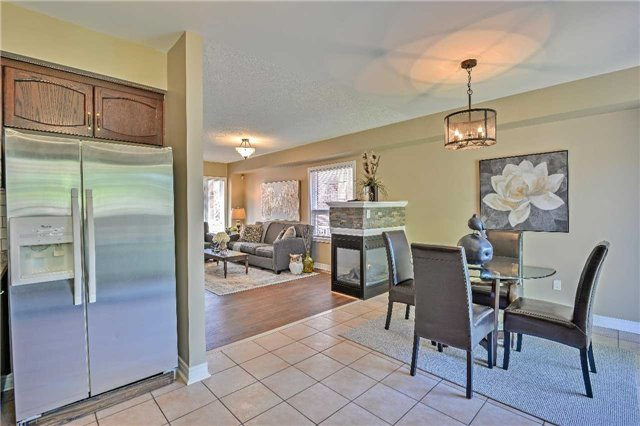Semi-detached at 12 Coolspring Cres, Caledon, Ontario. Image 18