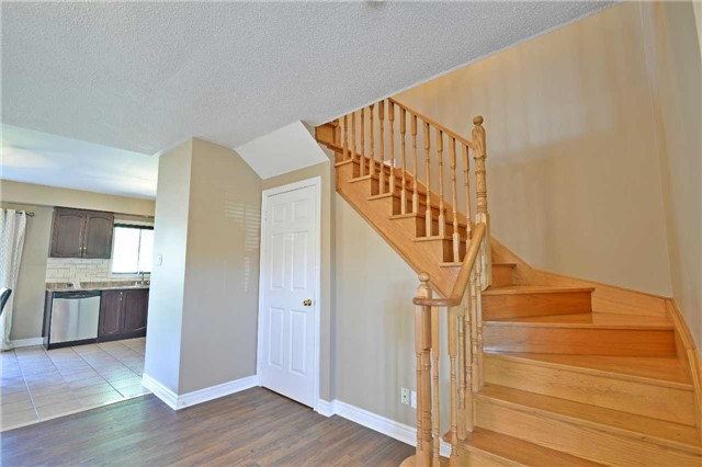 Semi-detached at 12 Coolspring Cres, Caledon, Ontario. Image 3