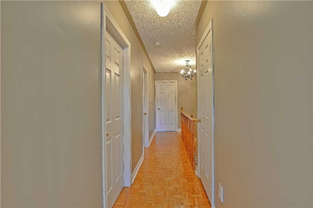 Semi-detached at 12 Coolspring Cres, Caledon, Ontario. Image 4