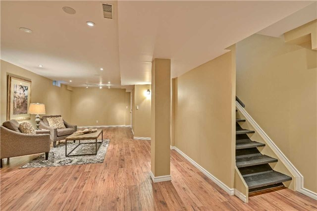 Semi-detached at 12 Coolspring Cres, Caledon, Ontario. Image 10