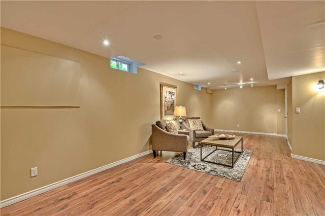 Semi-detached at 12 Coolspring Cres, Caledon, Ontario. Image 11