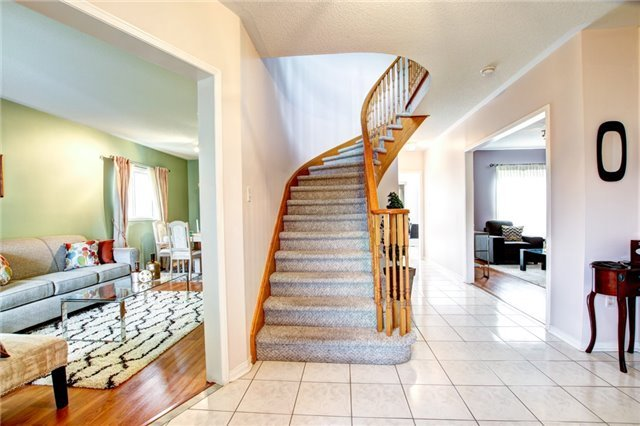 Detached at 6286 Mccovey Dr, Mississauga, Ontario. Image 12