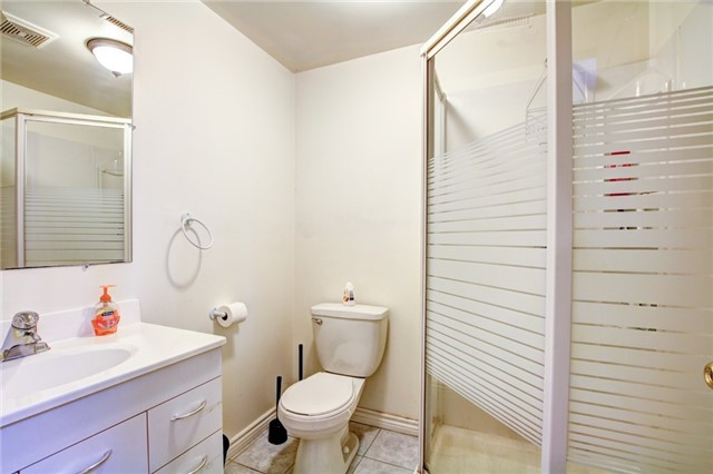 Detached at 6286 Mccovey Dr, Mississauga, Ontario. Image 13