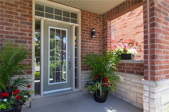 Detached at 3059 Ferguson Dr, Burlington, Ontario. Image 12
