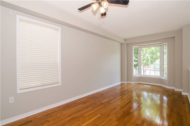 Link at 3104 Hawktail Cres, Mississauga, Ontario. Image 7