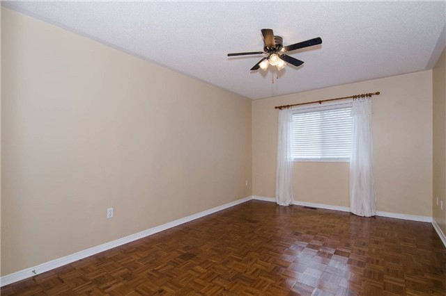 Link at 3104 Hawktail Cres, Mississauga, Ontario. Image 11