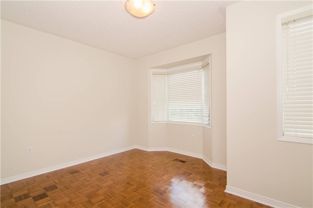 Link at 3104 Hawktail Cres, Mississauga, Ontario. Image 14
