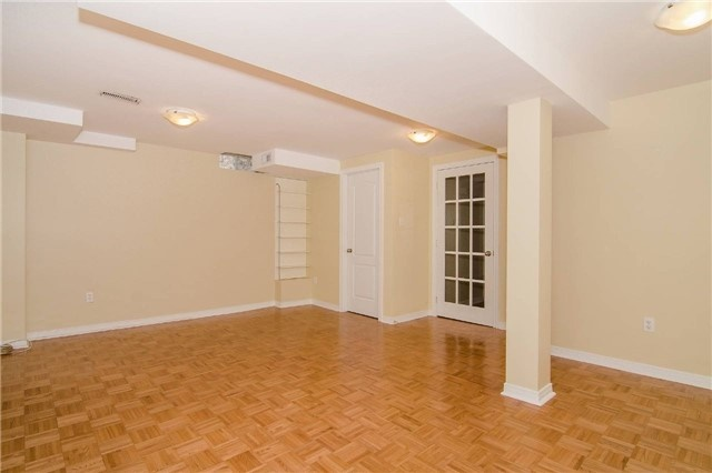 Link at 3104 Hawktail Cres, Mississauga, Ontario. Image 3