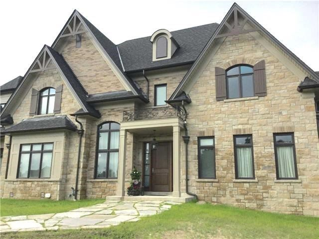 Detached at 36 Mabee Dr, Caledon, Ontario. Image 12
