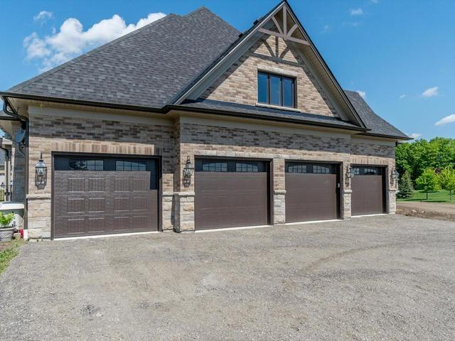 Detached at 36 Mabee Dr, Caledon, Ontario. Image 13