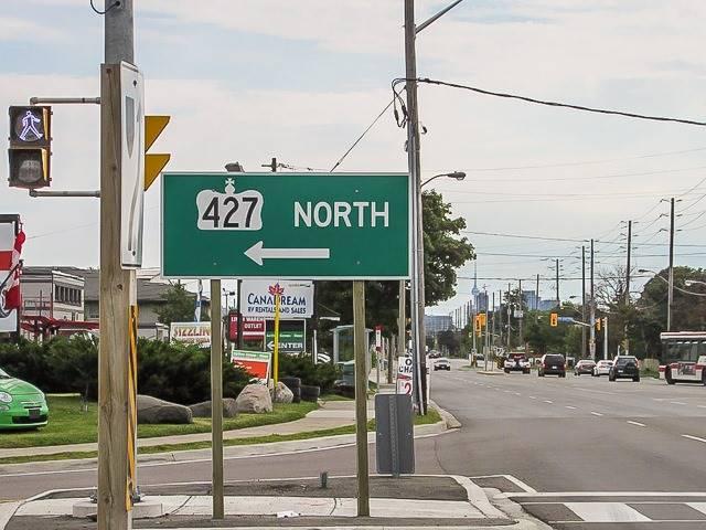 Detached at 112 Thirtieth St, Toronto, Ontario. Image 8