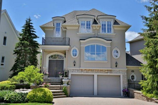 Detached at 2214 Hampstead Rd, Oakville, Ontario. Image 1