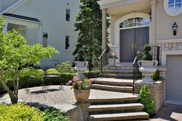 Detached at 2214 Hampstead Rd, Oakville, Ontario. Image 12