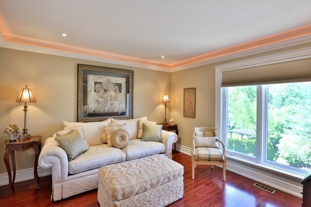Detached at 2214 Hampstead Rd, Oakville, Ontario. Image 5