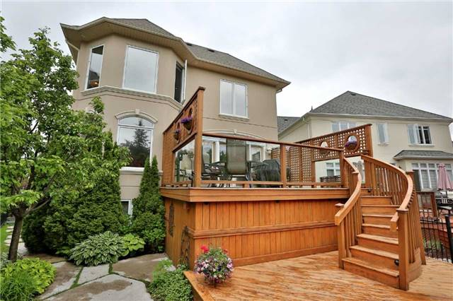 Detached at 2214 Hampstead Rd, Oakville, Ontario. Image 11